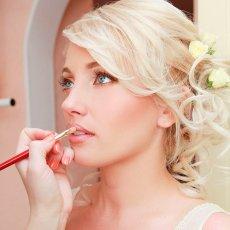 Прически и макияж на дому