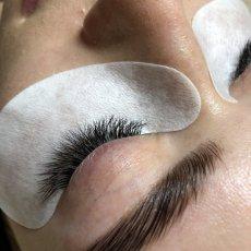 Наращивание ресниц, косметолог