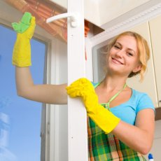 Мытье окон в помещениях
