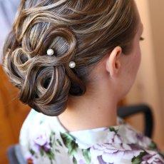 Свадебные, вечерние прически и макияж