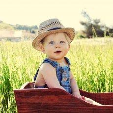 Няня с проживанием к ребёнку 8-ми месяцев