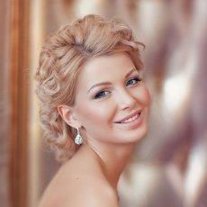 Свадебный стилист, парикмахерские услуги, макияж