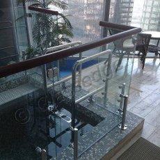 Стеклянные ограждения для лестниц и балконов